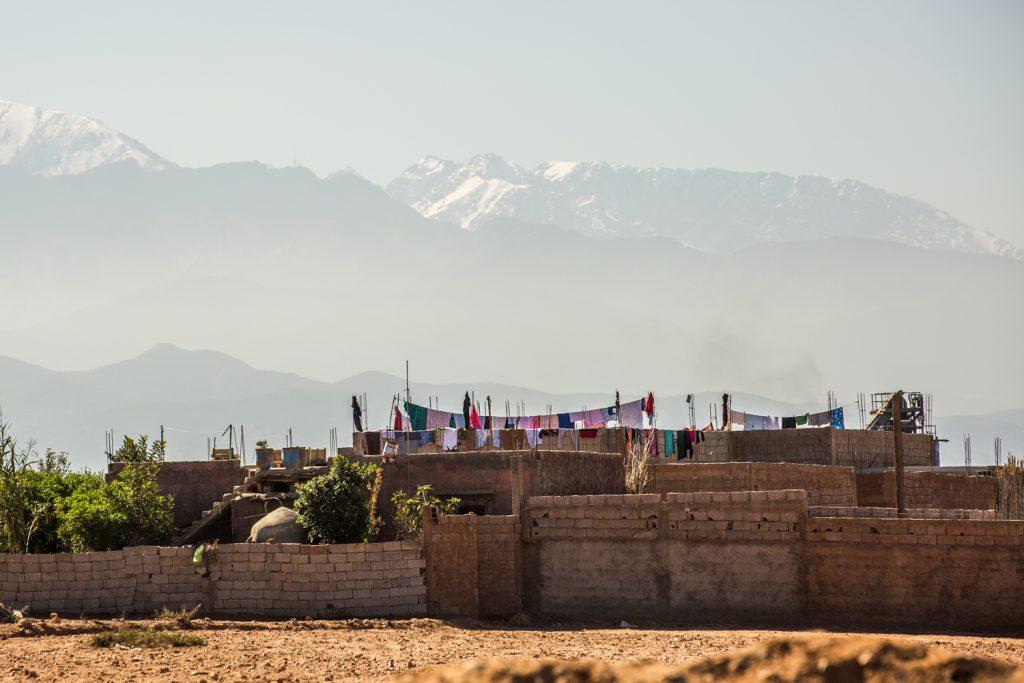 Säkert en fröjd att hänga tvätt i denna miljö, med Atlasbergen som vacker fond