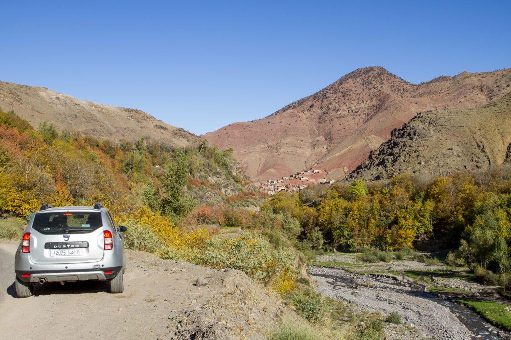 Resan går vidare genom fantastisk vackra dalar.
