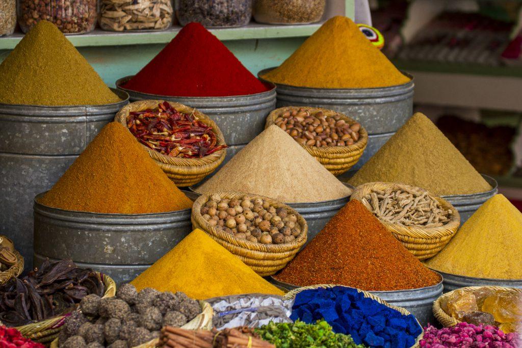 Kryddor, vackert upphällda, härligt doftande, som vi hittade när vi gick vilse i en av alla souken (marknader)