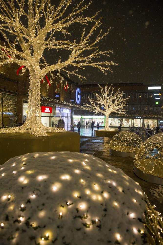 Stad i ljus på Lilla torget i Linköping