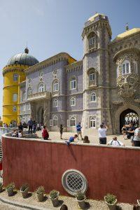 Färgglada slottet Pena på innergården