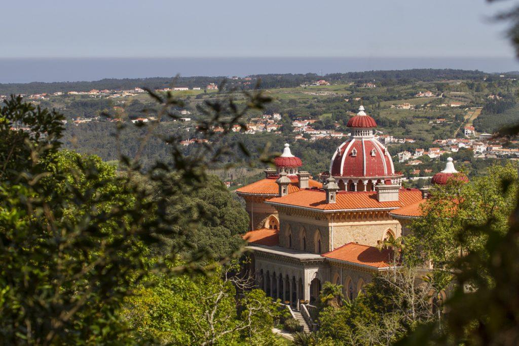 Monserratepalatset ska också vara värt ett besök. Vi valde dock bort det och kikade endast på lite avstånd.