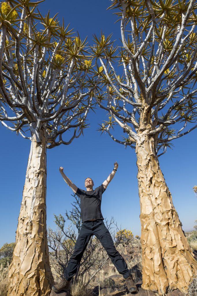 Jag mellan två Quiver tree, eller kokerboom som de heter på Africaans