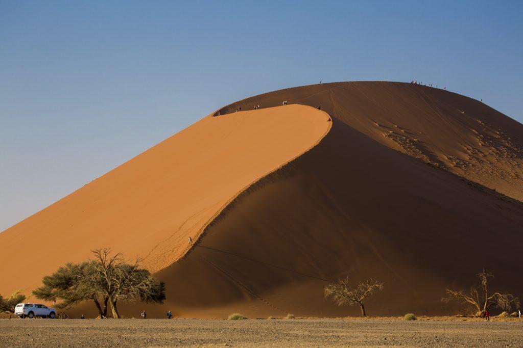 Dune 45. Sossusvlei är Namibias mest besökta plats, känd över hela världen