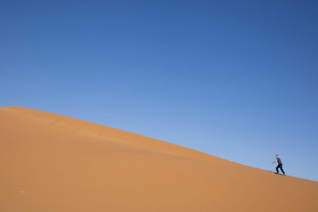 Ibland är livet en uppförsbacke. I Namibia hade jag aldrig den känslan även om det ser så ut här