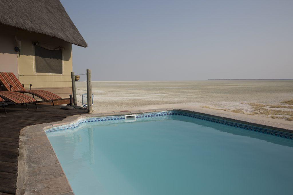 Det såg inbjudande ut men morgonen var kall och likaså vattnet i poolen