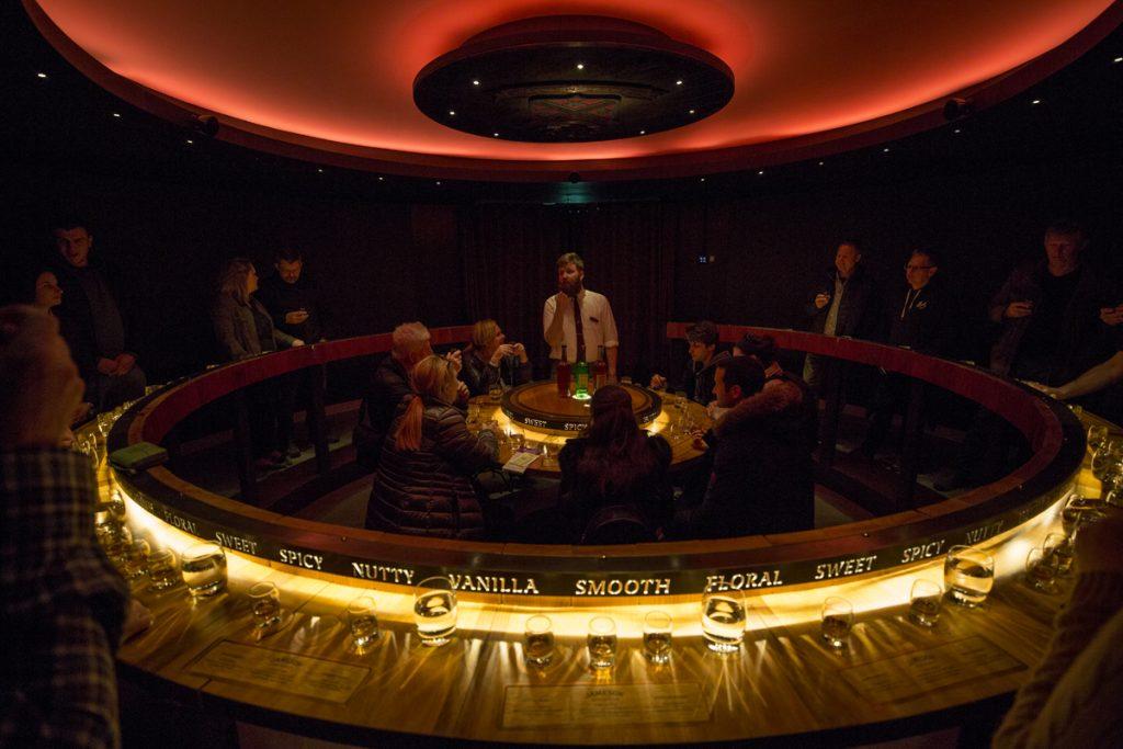 En guidad rundvandring på Jamesonmuseet med avslutande whiskeyprovning