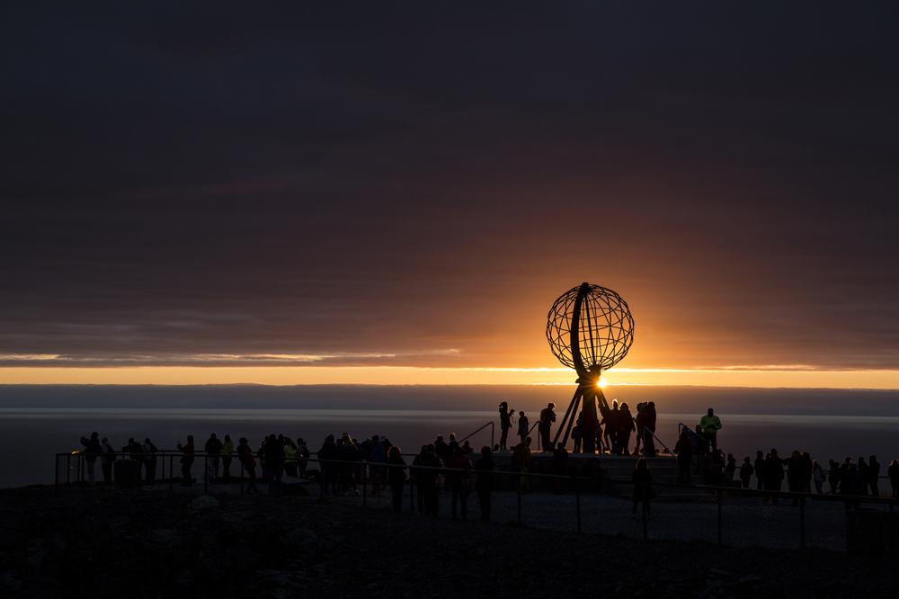 Nordkap med solnedgången rakt norrut