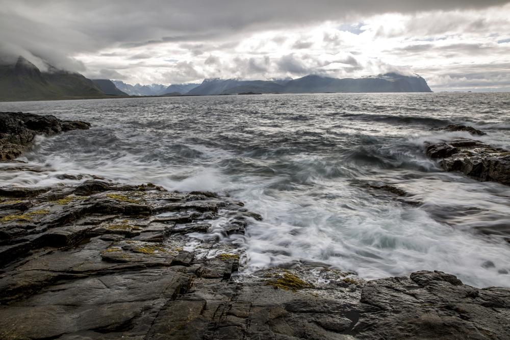 Tidvattnet drar in på Lofoten