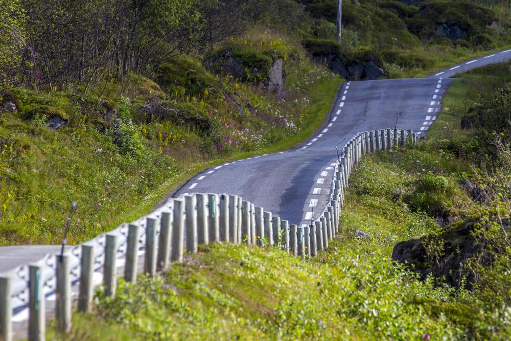 Vägarna i Norge är inte bara krokiga de är även backiga