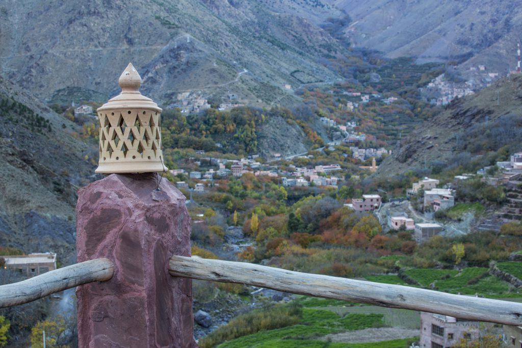 En av många bybilder över dalen, här från vår takterass.
