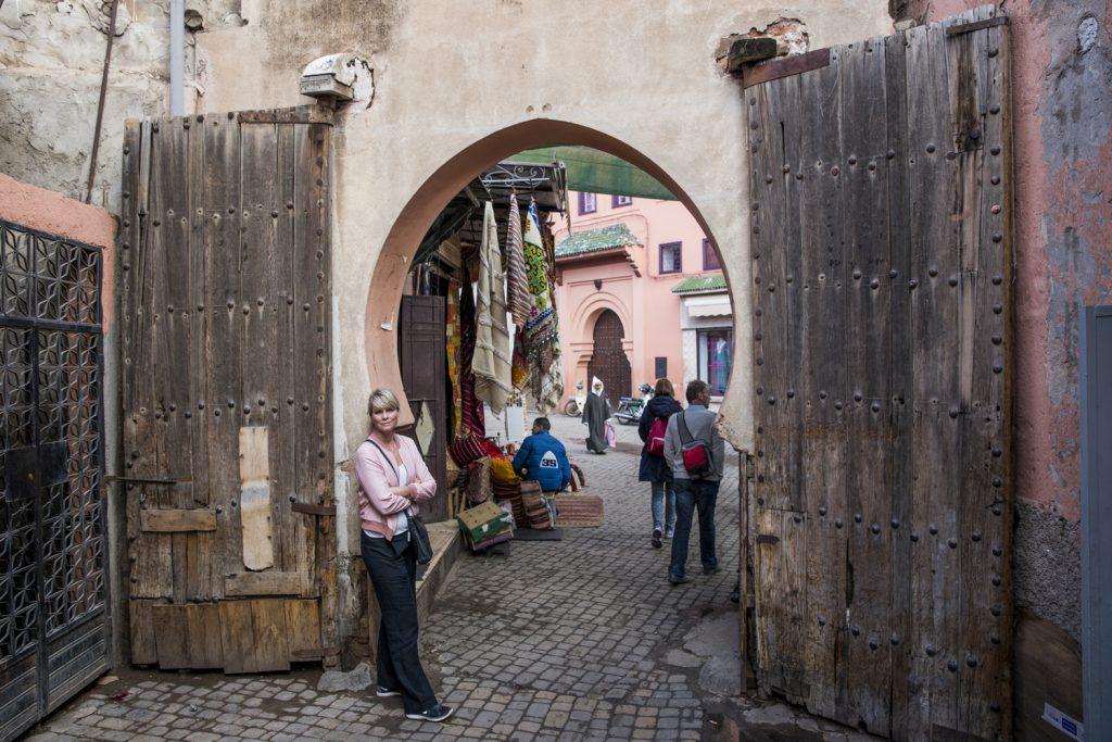 Ylva letar upp portar som är över 3 meter