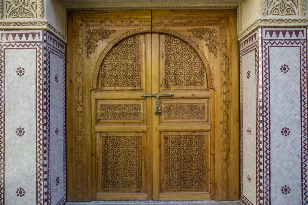 En och annan vacker port i finns det i Marrakech