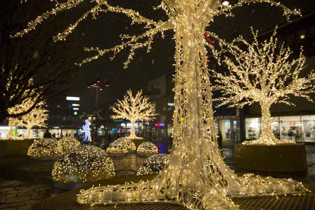 Vackra ljusinstallationer på Lilla torget i Linköping