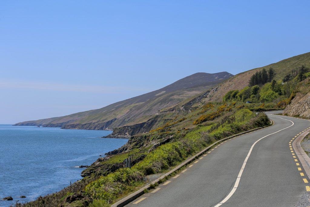 The Wild Atlantic Way slingrar sig vidare genom det vackra landskapet. Vädret är vår sida även idag...