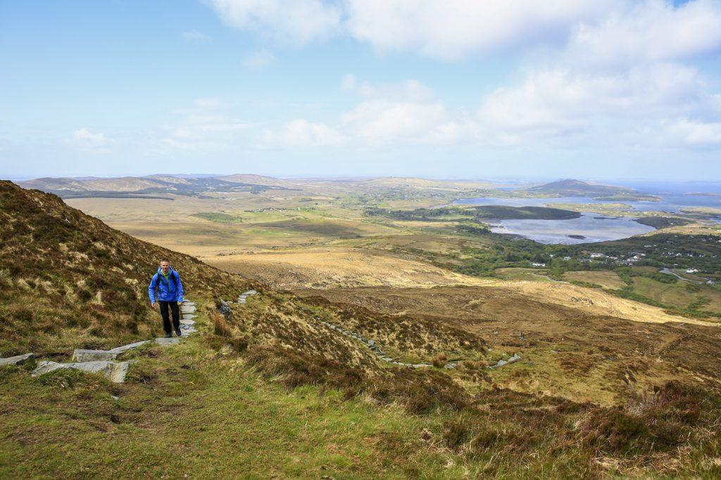 Vandring uppför Diamond Hill i Connemara