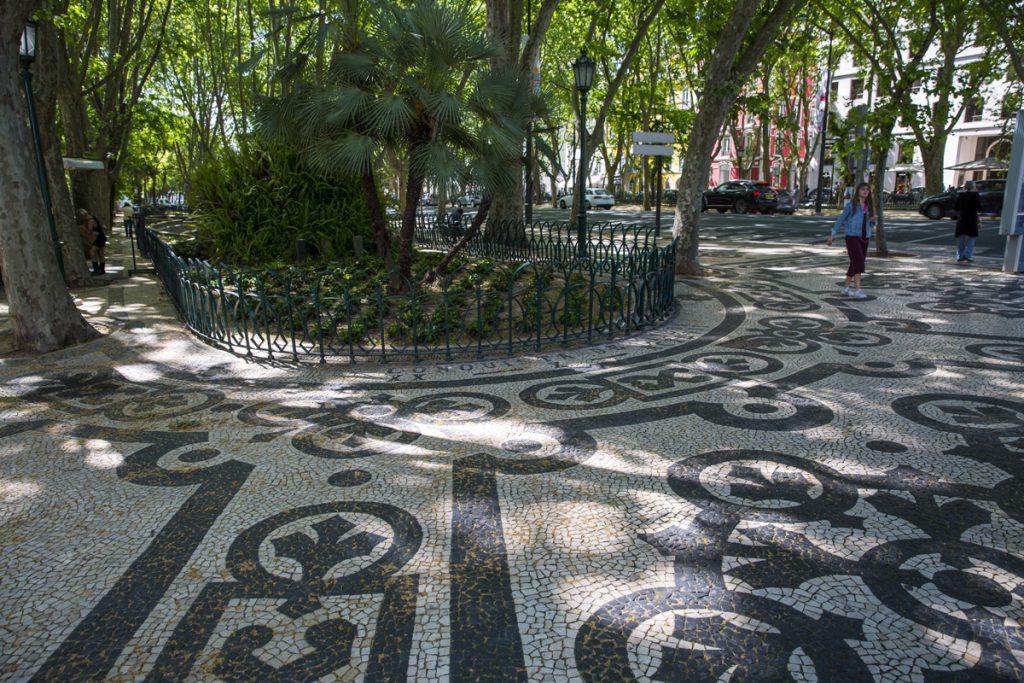 Avenue da Liberdade är väl värt en promenad