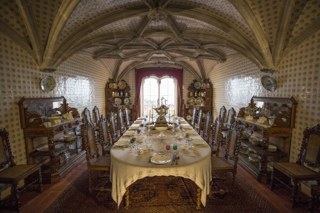 Matsalen i slottet var minst sagt smyckad från golv till tak