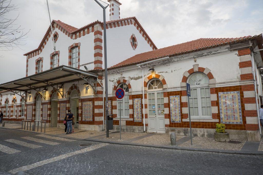 Redan vi ankomsten till Sintra station får man ett positivt intryck av staden.