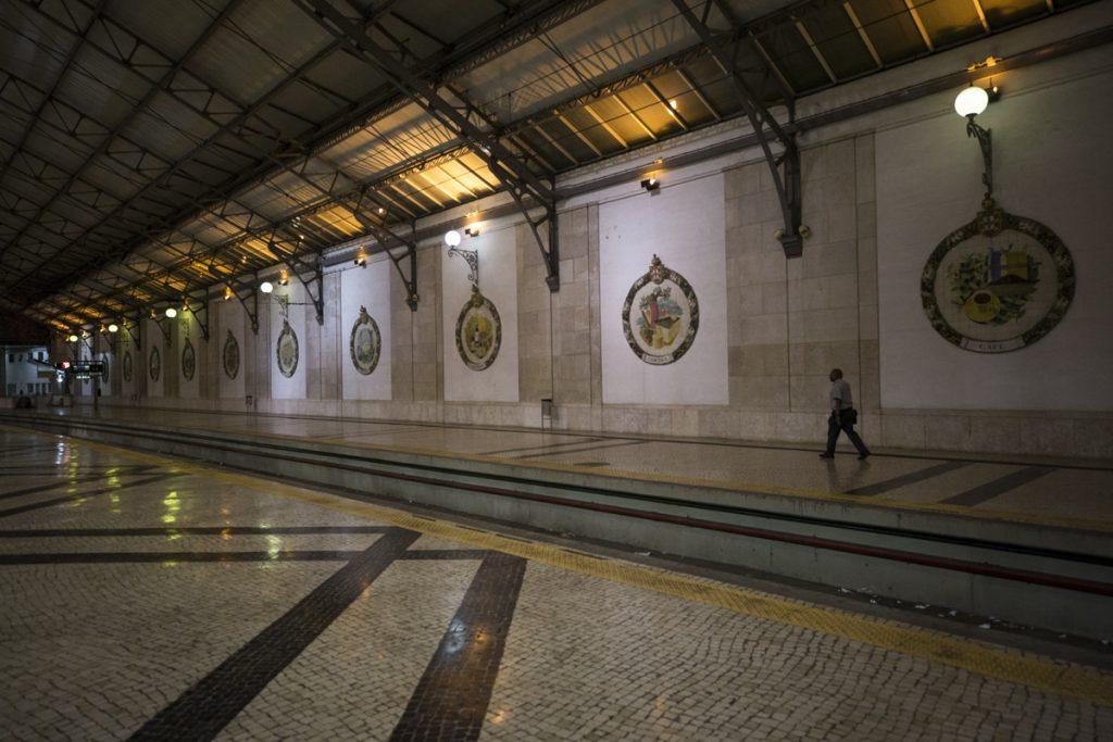 Tillbaka på Stationen Rossio i Lissabon