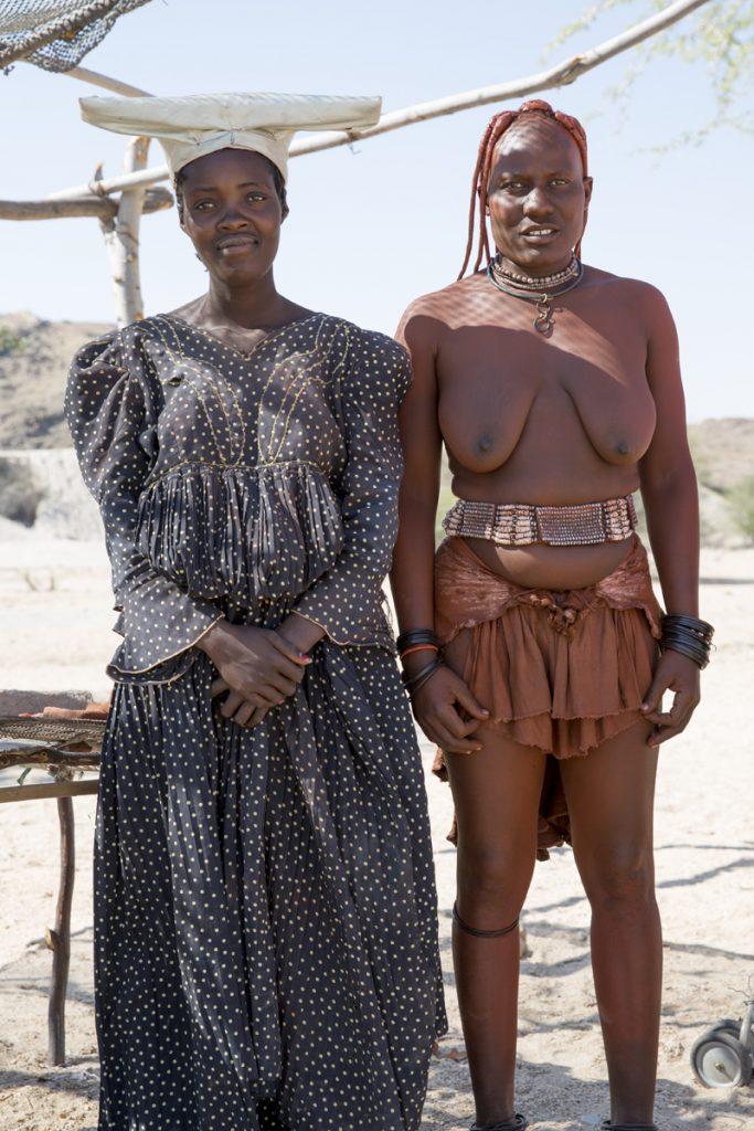 Vi träffade två kvinnor från folkgrupperna Herero och Himba