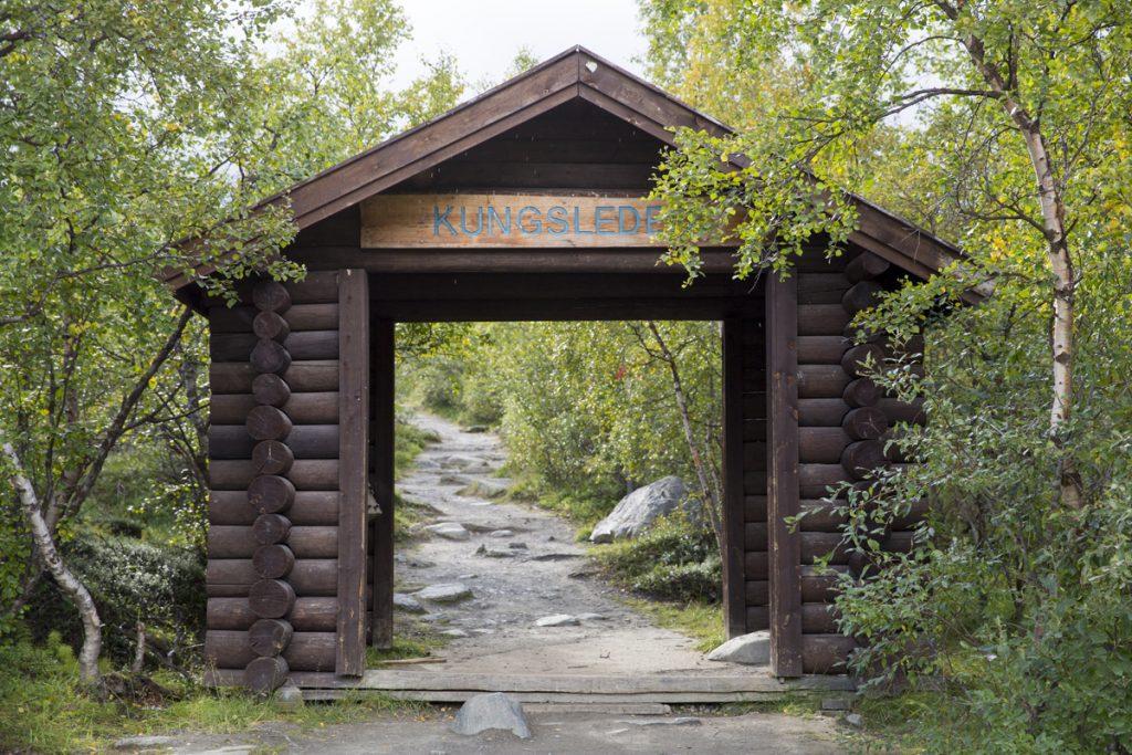 Porten som visar var Kungsleden börjar