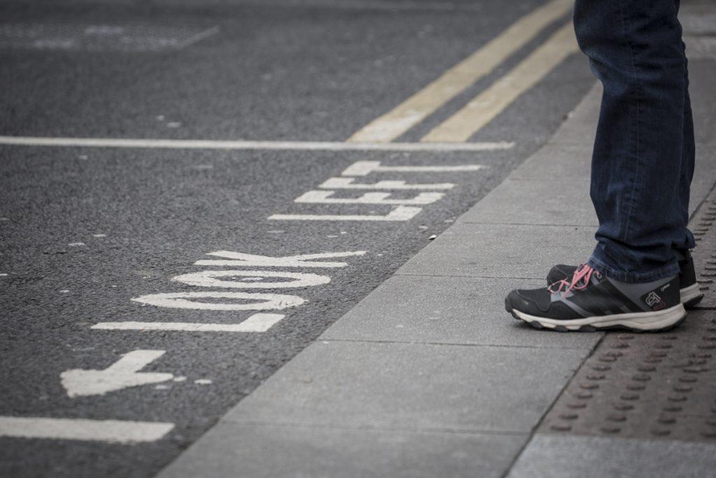 ...glöm inte bort att titta till vänster när du ska gå över gatan.