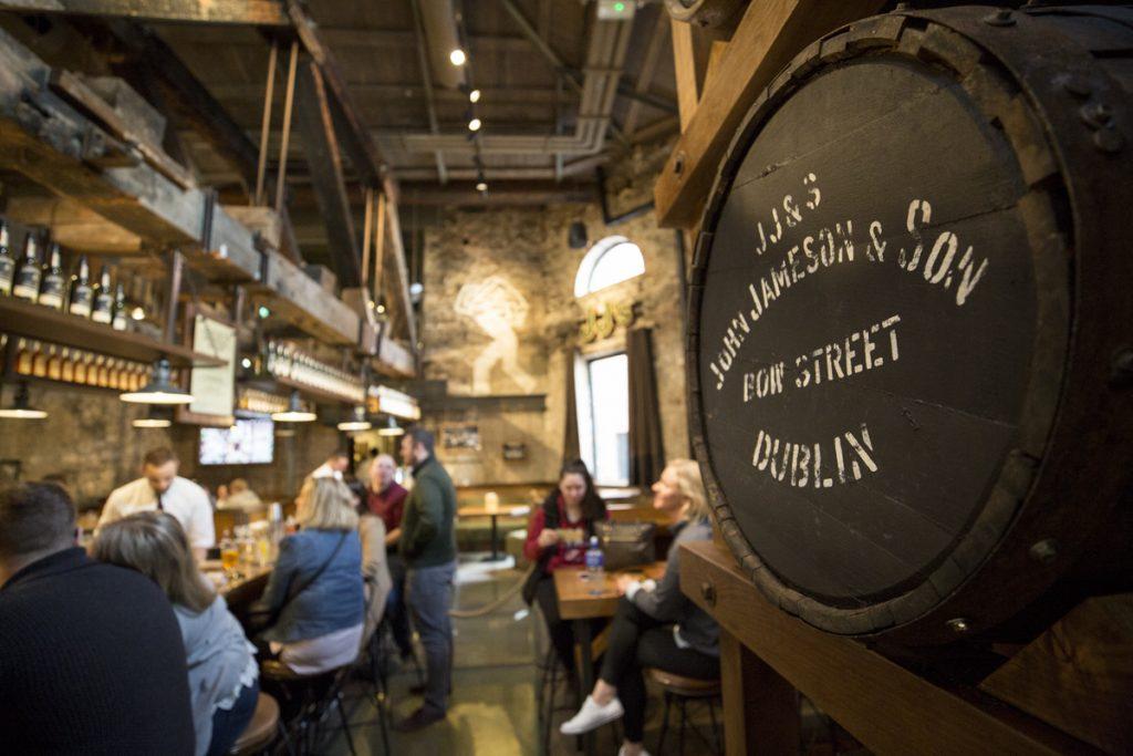 En snygg bar på Jameson's